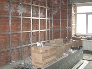 Металлический каркас для выравнивания стен