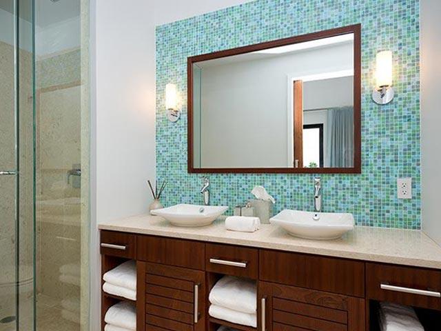 Обрамление зеркала мозаикой