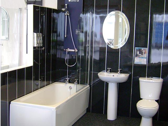 темные панели в ванной