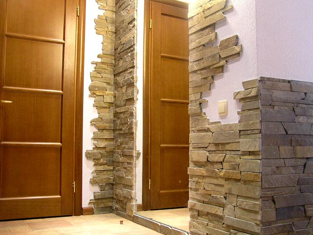 отделка коридора панелями из натурального камня