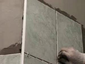 Укладывание керамической плитки на стены